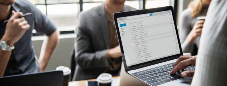 e-mails automação